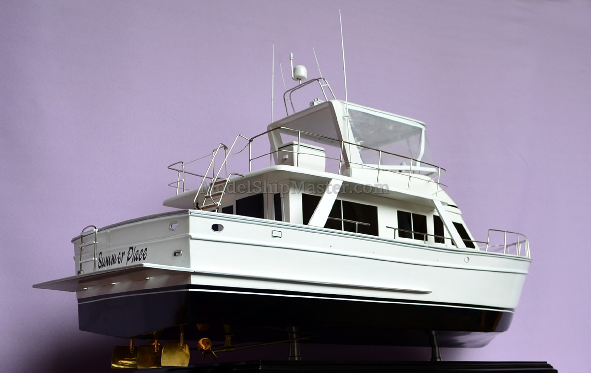 Offshore Sedan Yacht