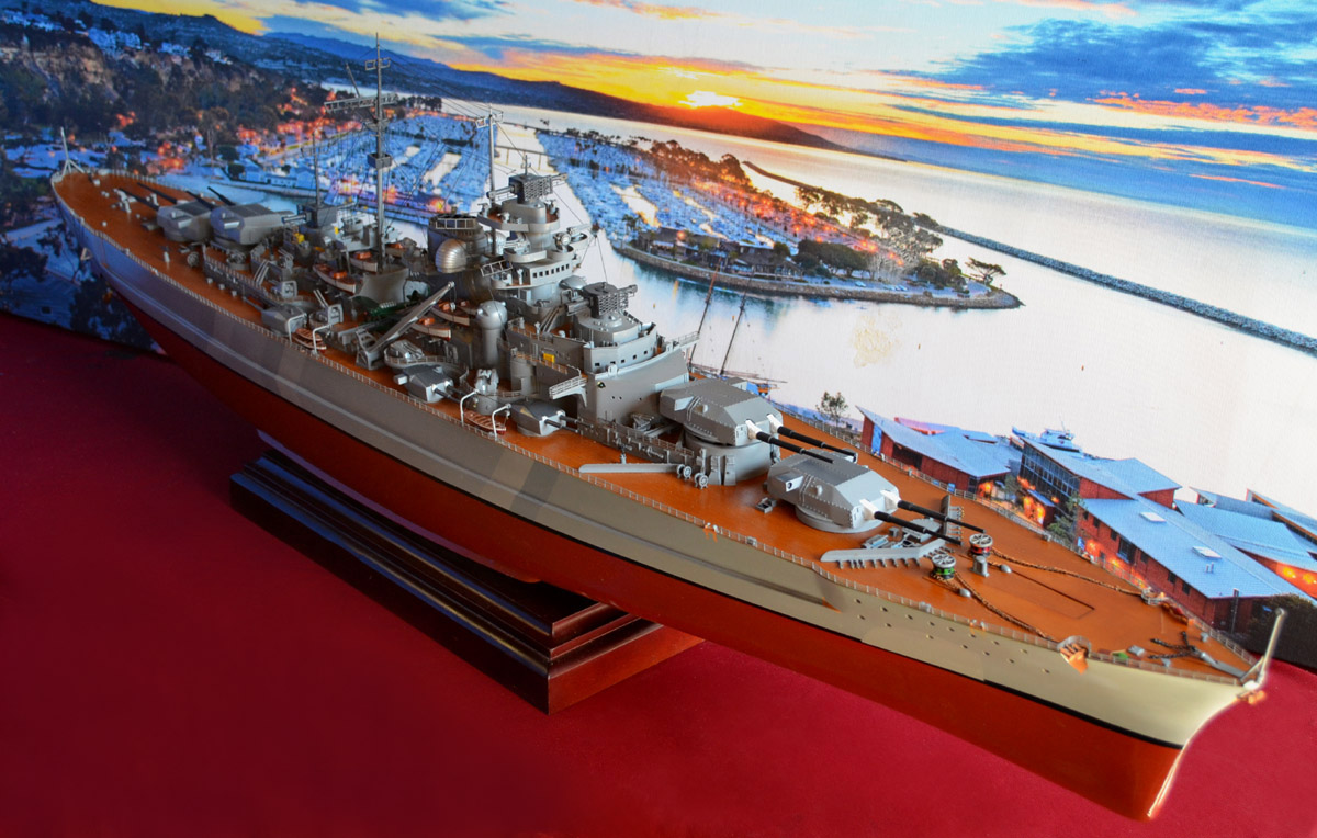Aircraft carrier models large scale - Like All Of Our Warship Models This Bismarck Battleship Model Has The Following Qualities