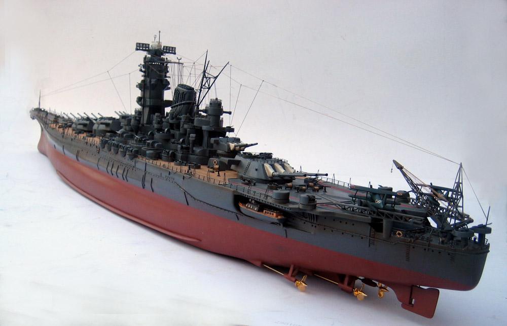 أسلحة صنعت الحدث Yamato%20battleship%20model%20(23)