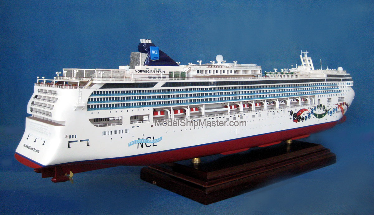 Model Of The NCL Norwegian Pearl Cruise Ship - Norwegian pearl cruise ship
