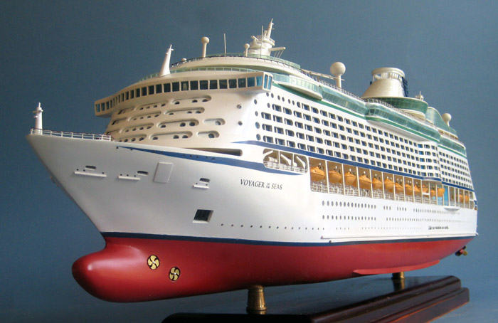 Voyager Of The Seas Cruise Ship Model - Remote control cruise ship