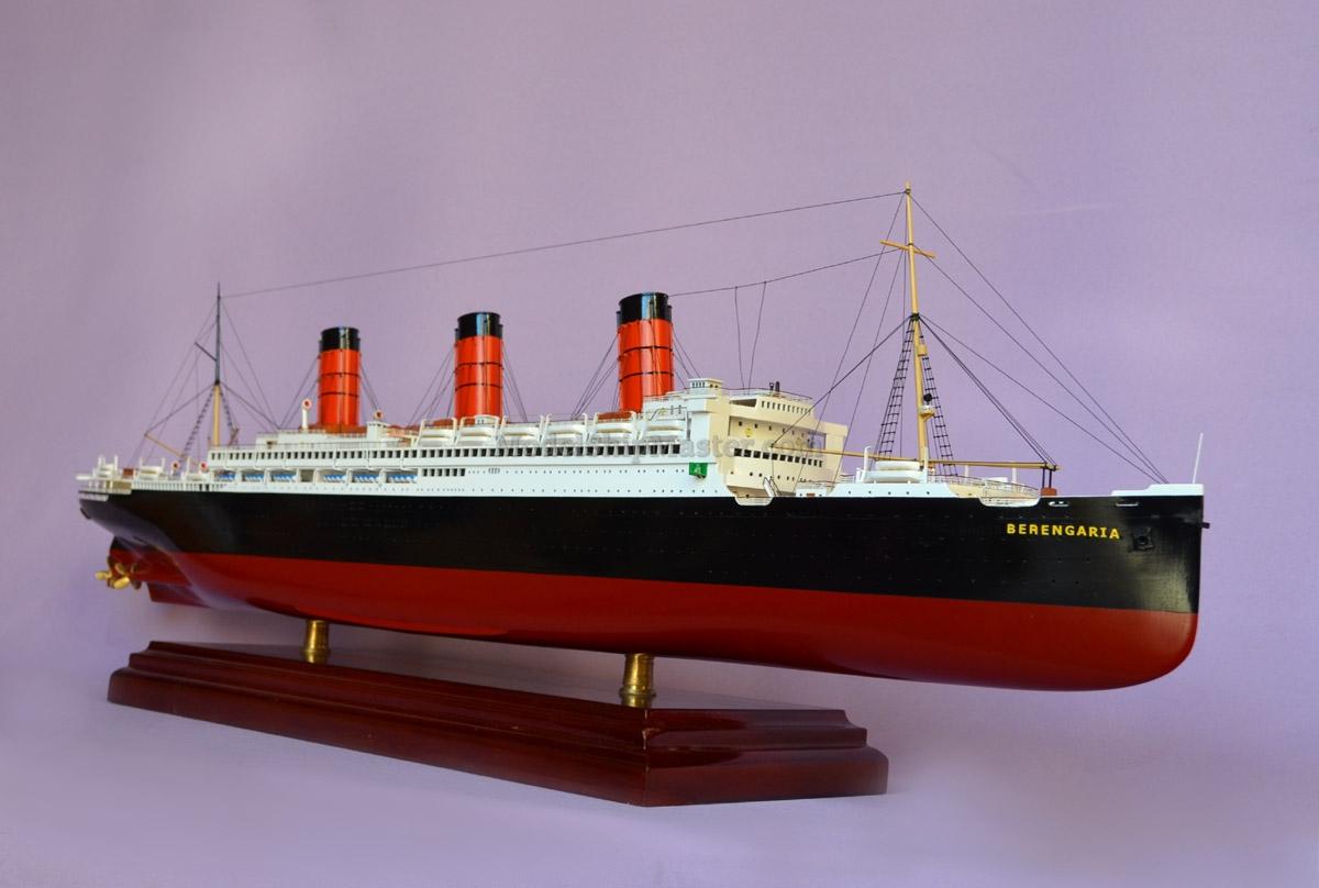 RMS BERENGARIA OCEAN LINER MODEL SHIP