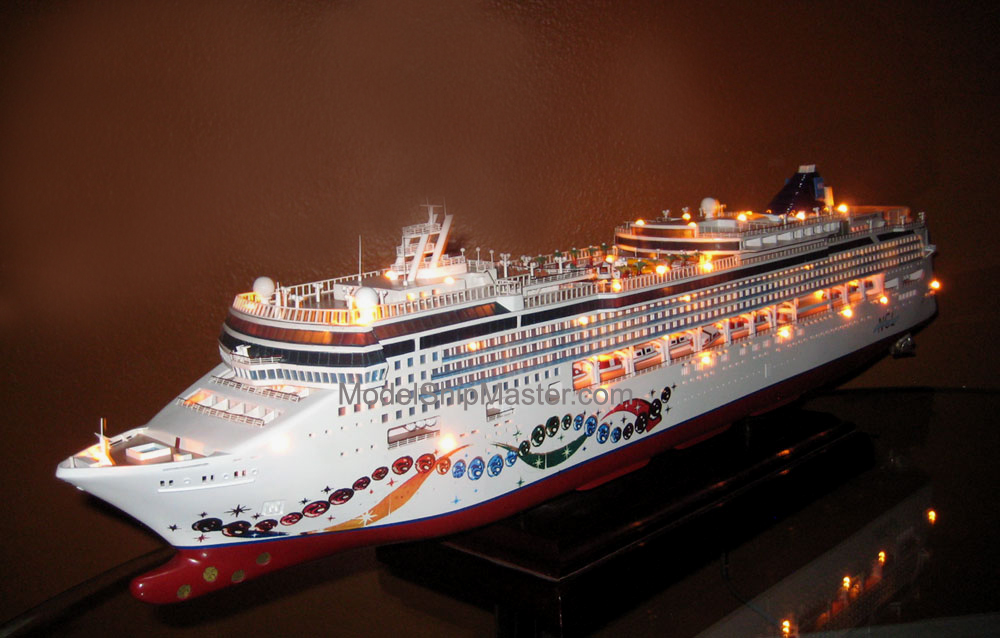 Norwegian Pearl, An Accurate And Beautiful Cruise Model Of