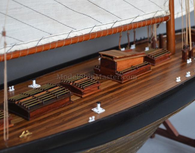 Britannia Yacht Model